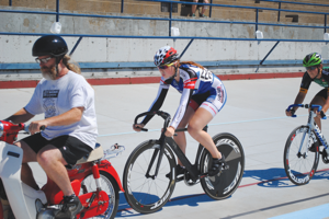 Hannah McDade positioned behind the motor during the Keirin event.